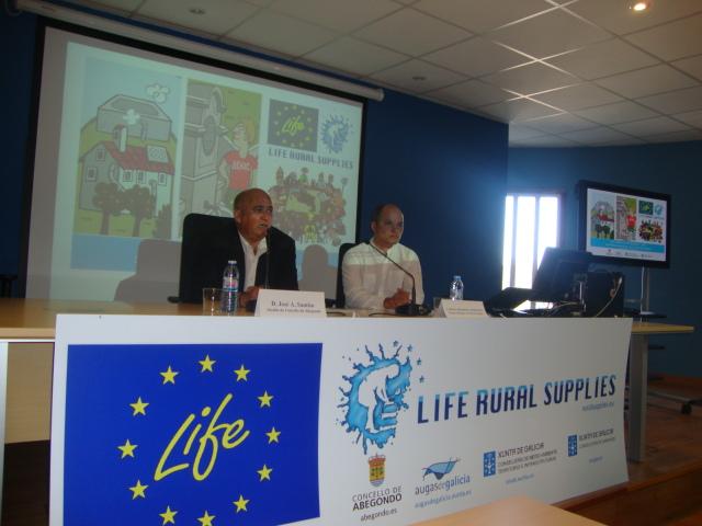 Apertura de la jornada por parte de José Antonio Santiso, alcalde de Abegondo y Coordinador del Proyecto